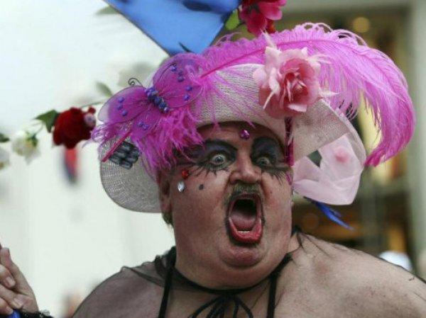 В центре Киева прошел гей-парад (ФОТО)