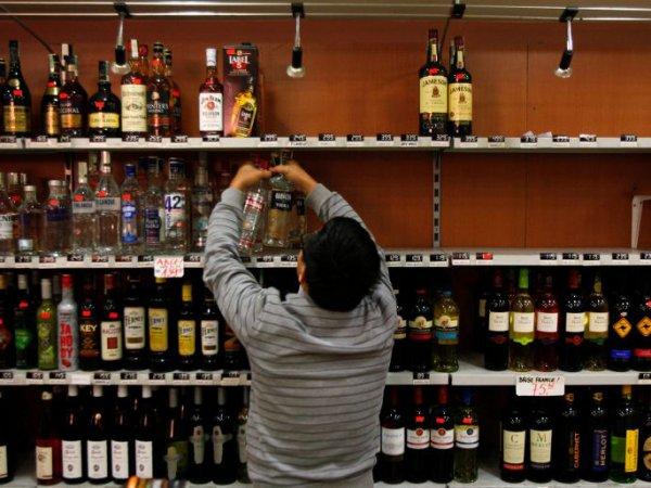 СМИ: россиянам грозит дефицит импортного алкоголя