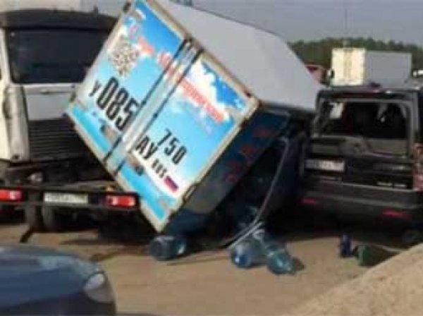 На МКАД образовалась гигантская пробка из-за аварии с 7 машинами