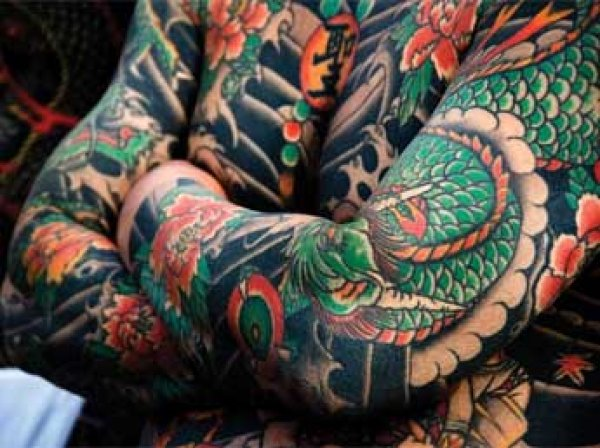 Ученые: чернила для татуировок могут вызывать рак у человека