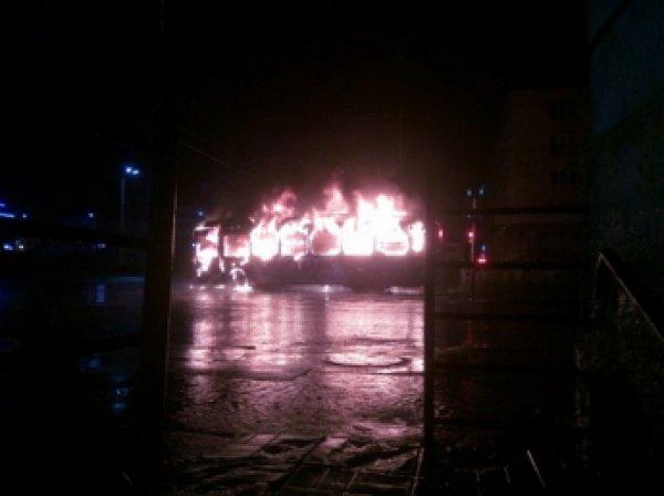 Момент удара молнии в троллейбус в Петрозаводске попал на ВИДЕО
