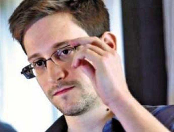 После серии загадочных твиттов блогеры объявили Сноудена убитым