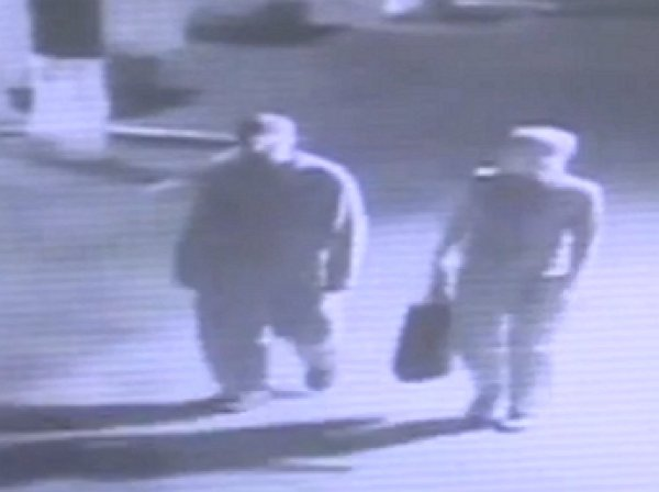 В Сети появилось полное видео закладки бомбы под автомобиль Шеремета (ВИДЕО)