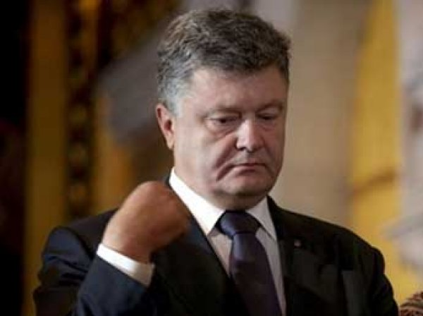 """""""Бог простит!"""": Порошенко перекрестился при словах о транше от ВМФ (ВИДЕО)"""