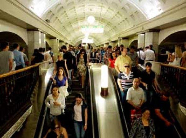 """Задымление на станции """"Цветной бульвар"""" вызвало сбои в работе метро (ВИДЕО)"""