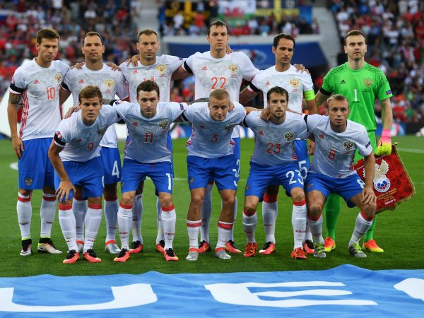 Массажистам сборной России по футболу заплатили более 20 млн за выход на Евро-2016
