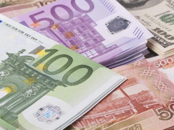 Курс доллара на сегодня, 8 октября 2016 впервые за год опустился ниже 62 рублей
