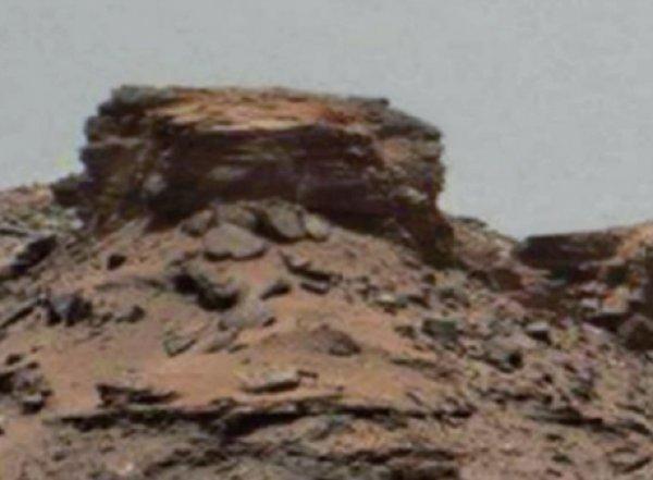 На ВИДЕО с Youtube уфологи разглядели на Марсе лицо человека (ФОТО, ВИДЕО)