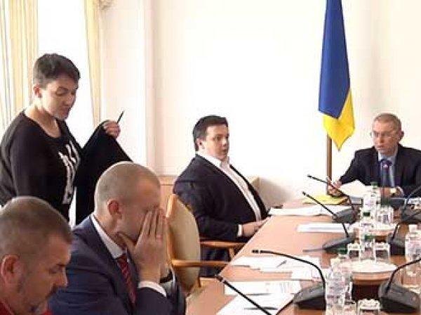 Савченко устроила скандал и сорвала заседание Рады Украины по обороне (ВИДЕО)