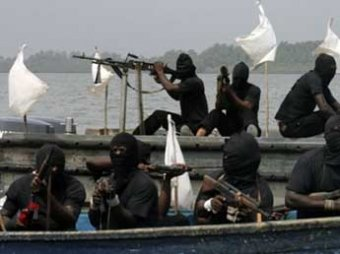 СМИ сообщили о захвате пиратами у берегов Бенина судна с россиянами