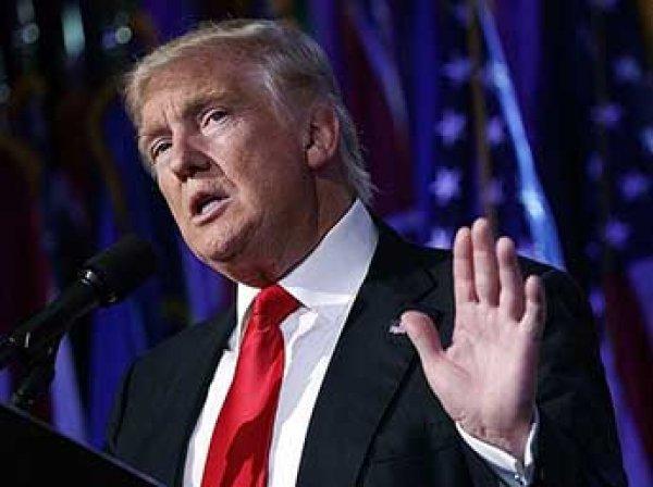 """""""Сборище лжецов!"""": Трамп на закрытой встрече устроил выволочку СМИ США"""