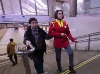 Опубликовано ВИДЕО флешмоба Mannequin Challenge в московском метро
