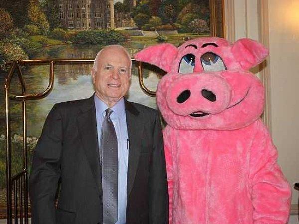 Сенатор Маккейн заявил об утрате США мирового господства