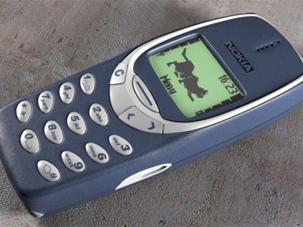 """Новость о возвращении на рынок телефона Nokia 3310 """"взорвала"""" соцсети (ВИДЕО)"""