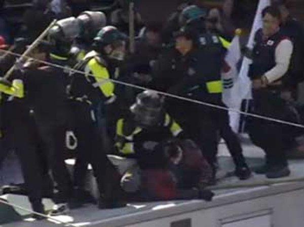 Беспорядки в Сеуле 10 марта из-за импичмента президента Южной Кореи: двое погибших (ФОТО, ВИДЕО)