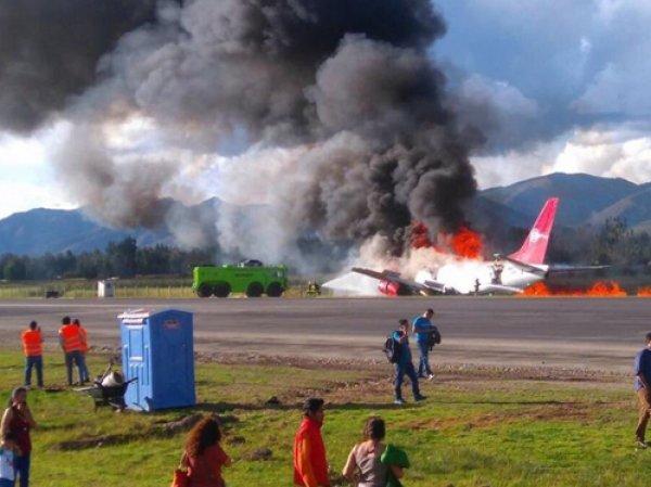 YouTube ВИДЕО: в Перу при посадке сгорел пассажирский Boeing