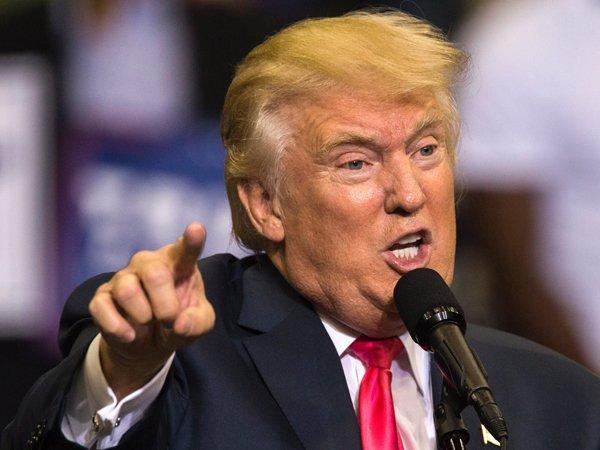 Взбучка Трампа своему советнику в Белом доме попала на ВИДЕО