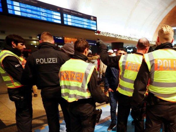 В Германии мужчина с топором устроил бойню на вокзале: ранены семь человек (ВИДЕО)