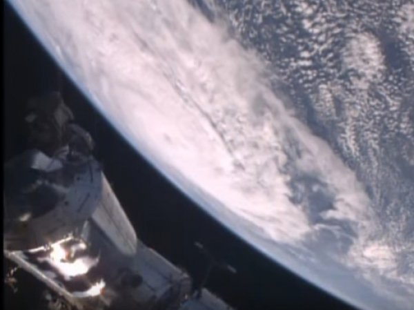 "В NASA показалиВИДЕО циклона ""Дебби"", снятое с МКС"
