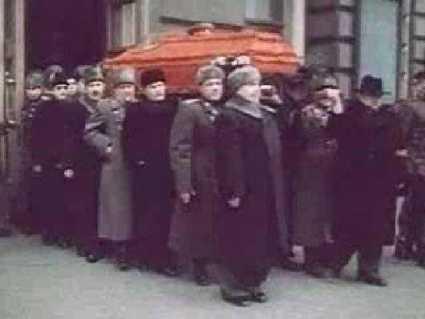 На YouTube появилось ранее неизвестное ВИДЕО похорон Сталина