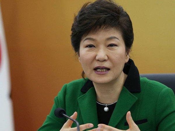 В Южной Корее президента после импичмента отстранили от власти