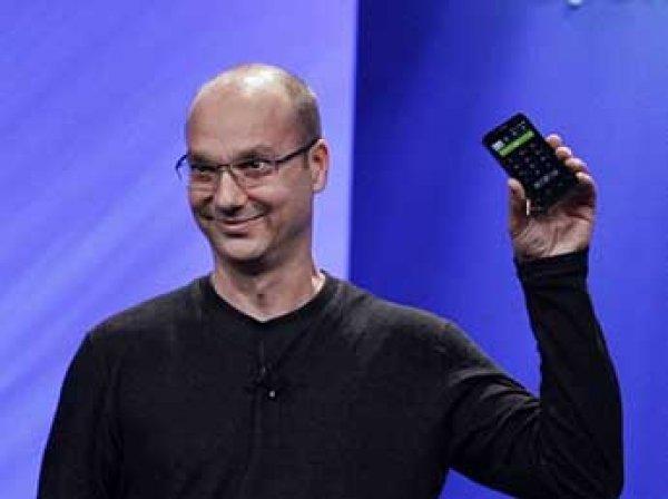 Блогеры гадают по ФОТО: создатель Android опубликовал снимок своего нового гаджета