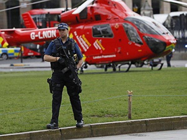 Теракт в Лондоне, 22.03.2017, последние новости: автомобиль въехал в толпу людей на Вестминстерском мосту в Лондоне