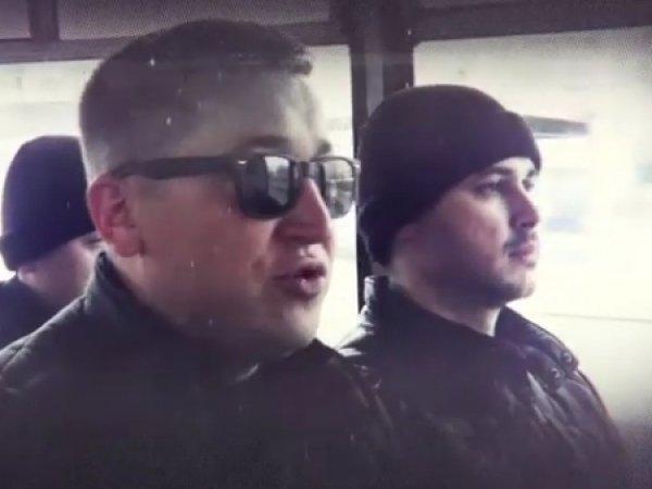 """Мэр Альметьевска агитирует выйти на субботник пародией на """"Тает лёд"""""""