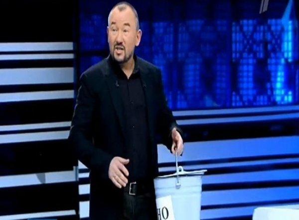 """Ведущий """"Первого канала"""" Шейнин вынес ведро нечистот для украинского блогера"""