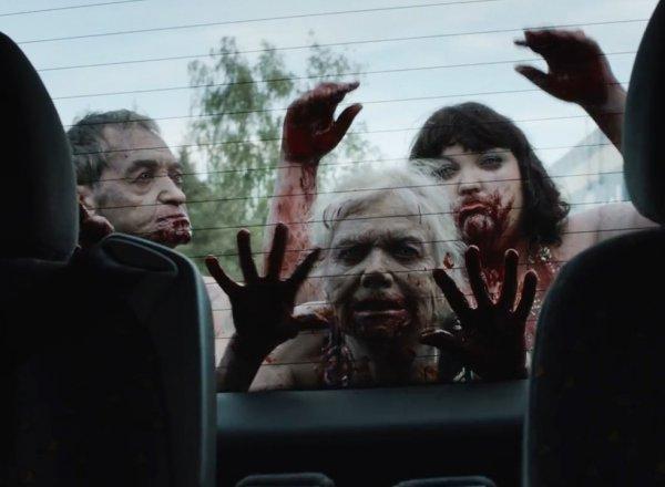 YouTube ВИДЕО рекламы жилого комплекса в стиле хоррора про зомби стало хитом в Сети