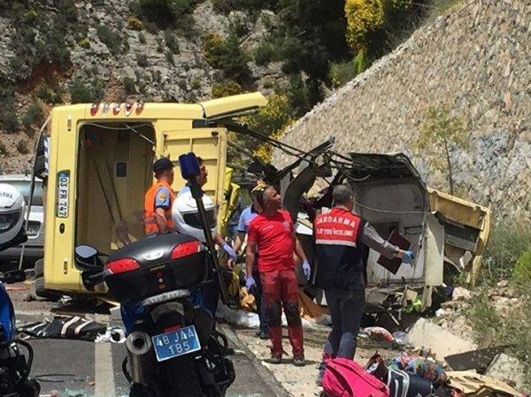 Авария в Турции сегодня 18 мая 2017: опубликовано ВИДЕО последствий ДТП автобуса с россиянами (ФОТО, ВИДЕО)