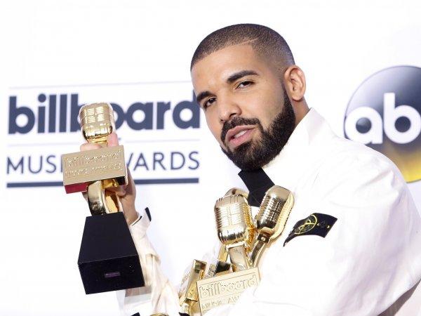 Рэпер Дрейк побил рекорд Адель по числу побед в номинациях Billboard Music Awards (ВИДЕО)