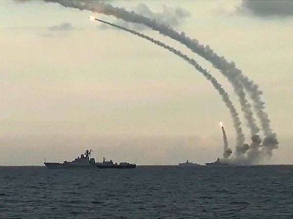 Опубликовано ВИДЕО ракетного удара по позициям ИГИЛ в Пальмире фрегатом и подлодкой РФ