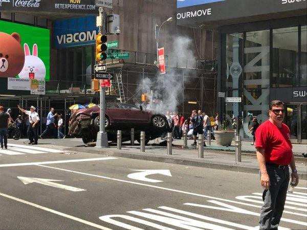 """Въехавший в толпу на Таймс-сквер водитель """"слышал голоса"""" (ФОТО, ВИДЕО)"""