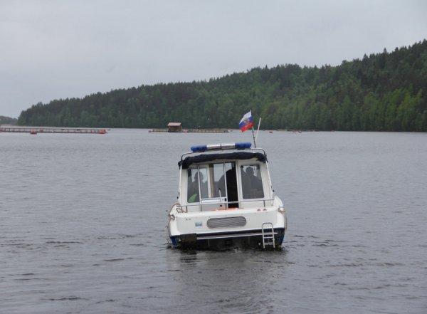 В Карелии спасатели прекратили поиски пропавших на озере подростков