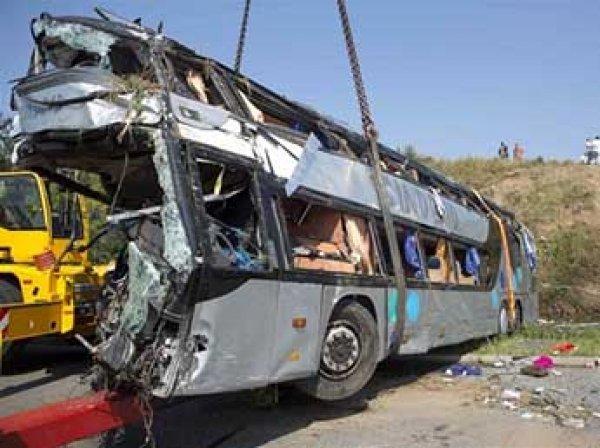 Авария с автобусом из Волгограда в Казахстане сегодня: 9 погибших (ВИДЕО)