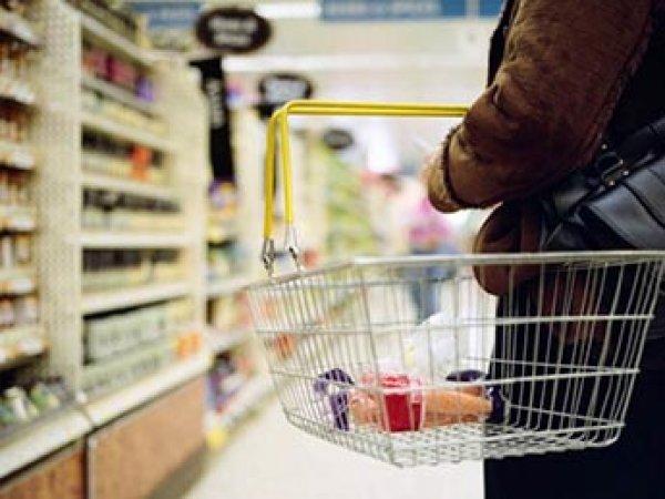 ВЦИОМ: каждому десятому россиянину не хватает денег даже на продукты