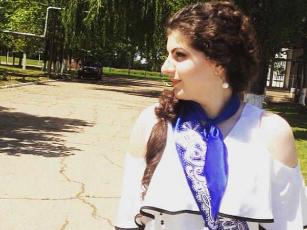 """Отомстила """"за всех медалистов"""": выпускница из Адыгеи обвинила одноклассницу в незаслуженной медали (ВИДЕО)"""