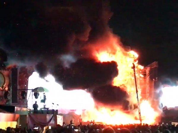 В Барселоне во время музыкального фестиваля загорелась сцена: эвакуировано свыше 20 тыс человек
