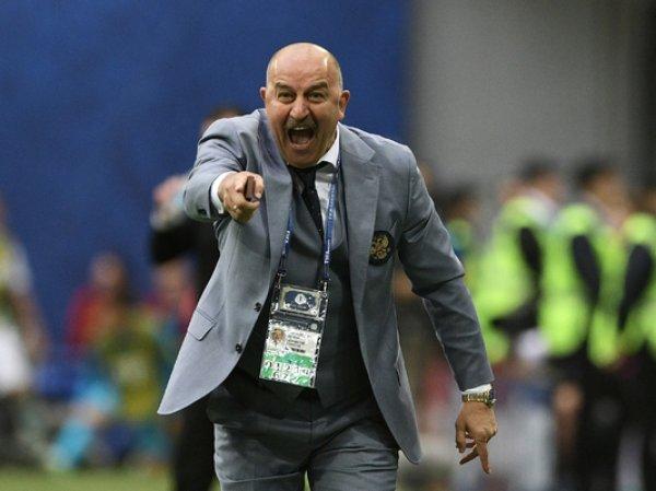 СМИ: футболисты сборной России ополчились на Черчесова
