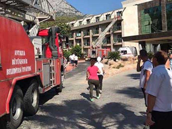 В пятизвездочном отеле в Турции вспыхнул пожар: эвакуированы 200 россиян, есть пострадавшие