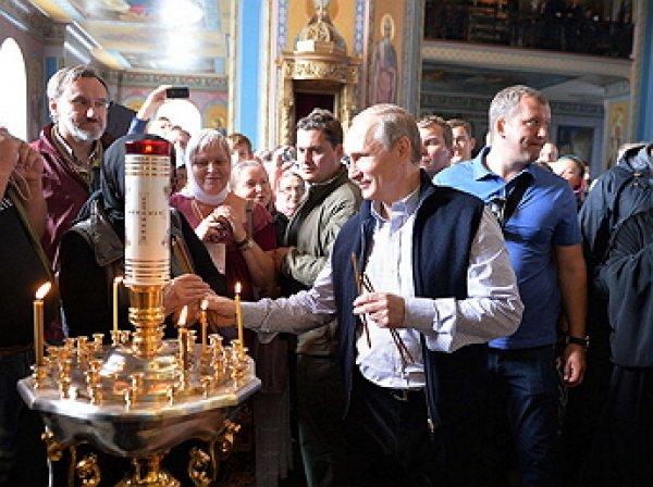 СМИ: Путин подарил Валаамскому монастырю огромную яхту