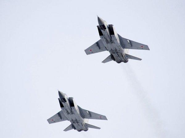 Экипажи МиГ-31 уничтожили сверхзвуковую ракету в стратосфере