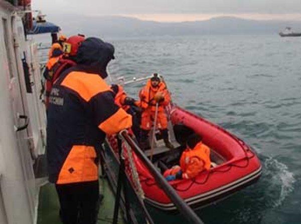 В Крыму затонул сухогруз: спасены восемь моряков