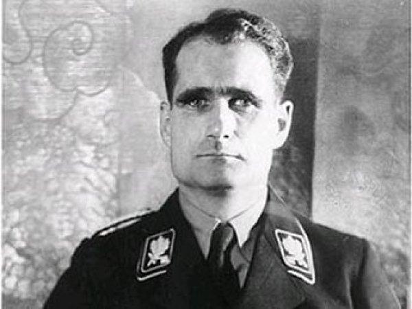 Британский МИД обнародовал документы о попытке Лондона освободить нациста Гесса