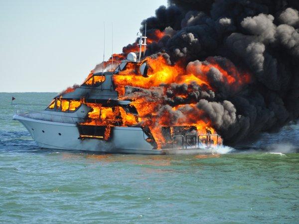 На яхте в Германии прогремел взрыв: пострадали 13 человек