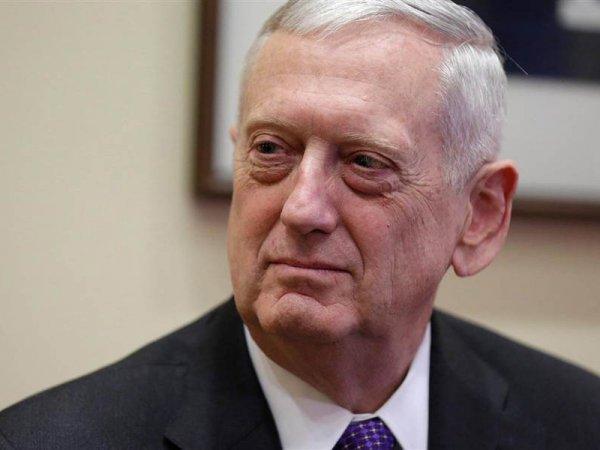 В США школьник нашел в СМИ телефон главы Пентагона и взял у него интервью (ФОТО)