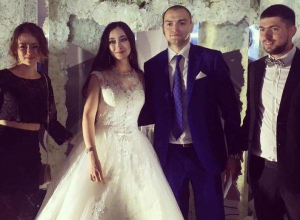 СМИ: экс-супруг судьи Халиловой оплатил свадьбу дочери, имея убыточный бизнес