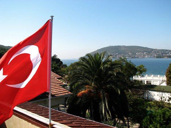 В Турции за два дня умерли пять российских туристов