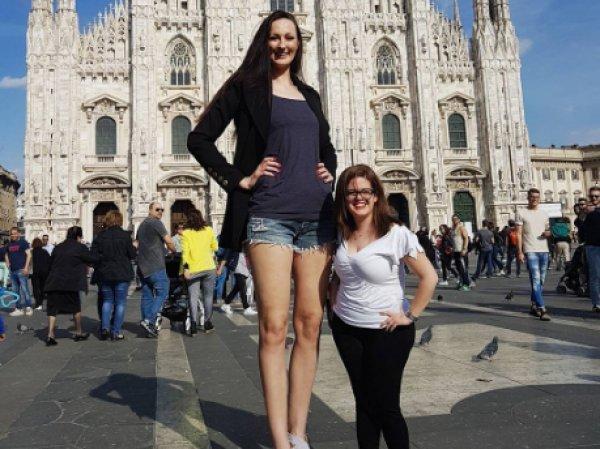Двухметровая российская баскетболистка хочет стать самой высокой моделью в мире (ФОТО, ВИДЕО)